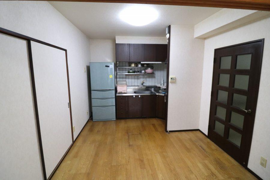 キッチン横壁を撤去してキッチン配置変更