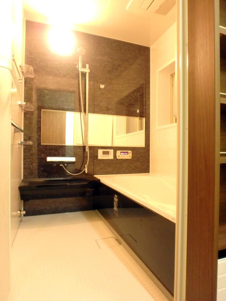 【浴室】ジェットバスやサウナ等がついて、ハイグレードのスペックの浴室になりました!