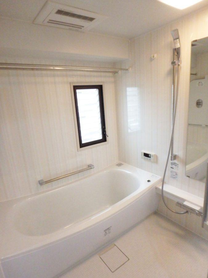 【浴室】浴室も広々!快適です。