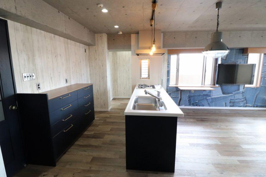 キッチン吊り戸回り壁全て解体してオープン対面キッチン