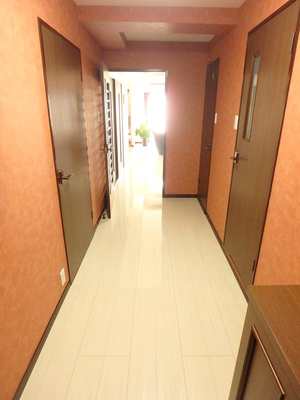 【廊下→LDK】廊下とLDKの段差をなくし、安全になりました。