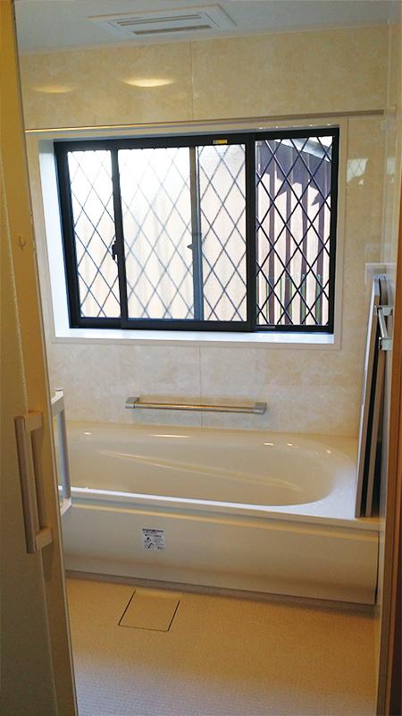 【浴室】高断熱浴槽のTOTOサザナ1717タイプで保温性大幅アップ!