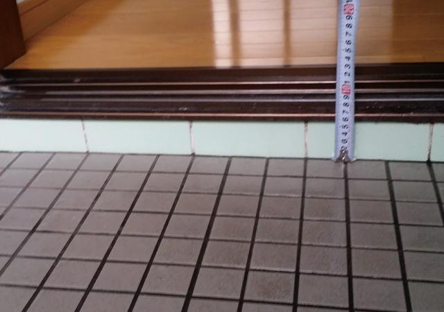 【入口の段差】約10cmの段差もフラットになって安全安心