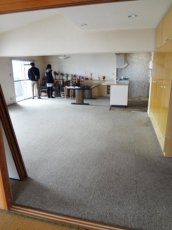 【LDK】お客様好みの色合いのパイン調の床へ
